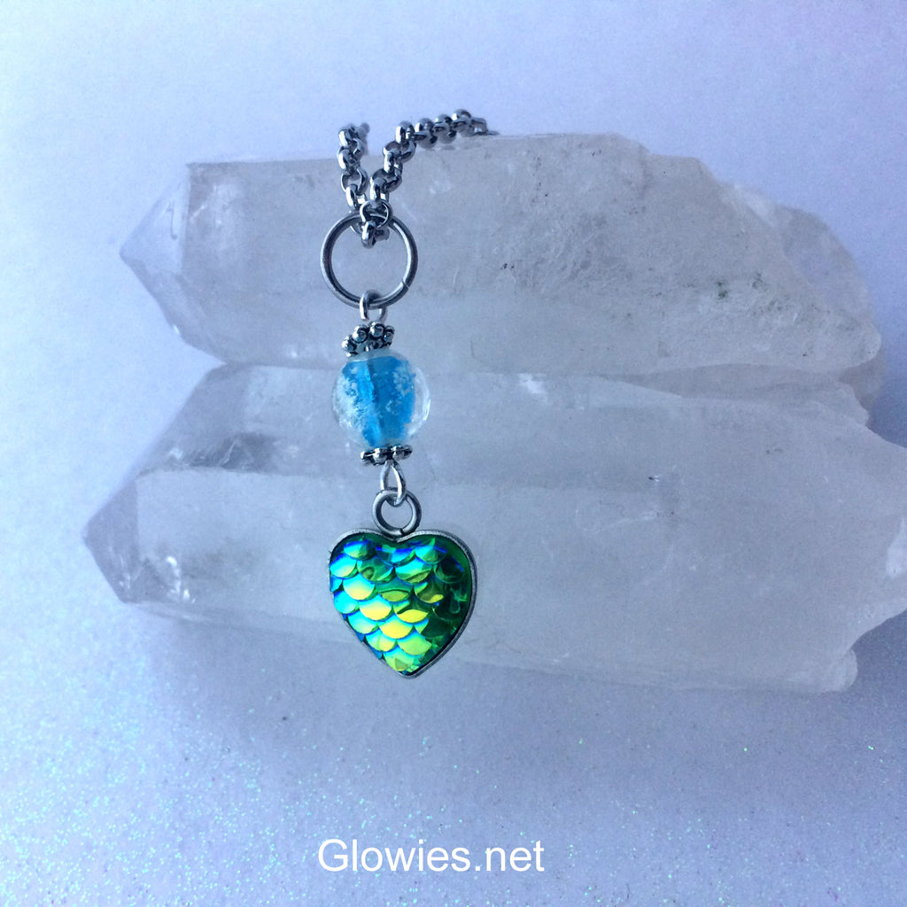 Scale Heart Glow Necklace