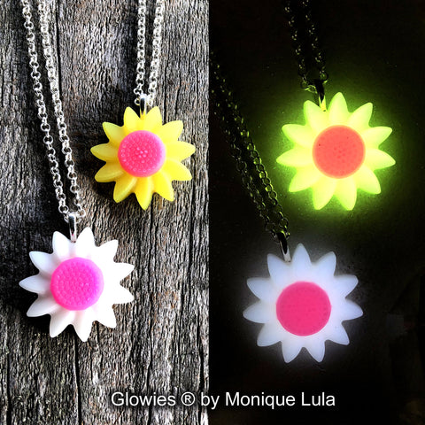 Sunflower Daisy Glow in the dark Flower Necklace