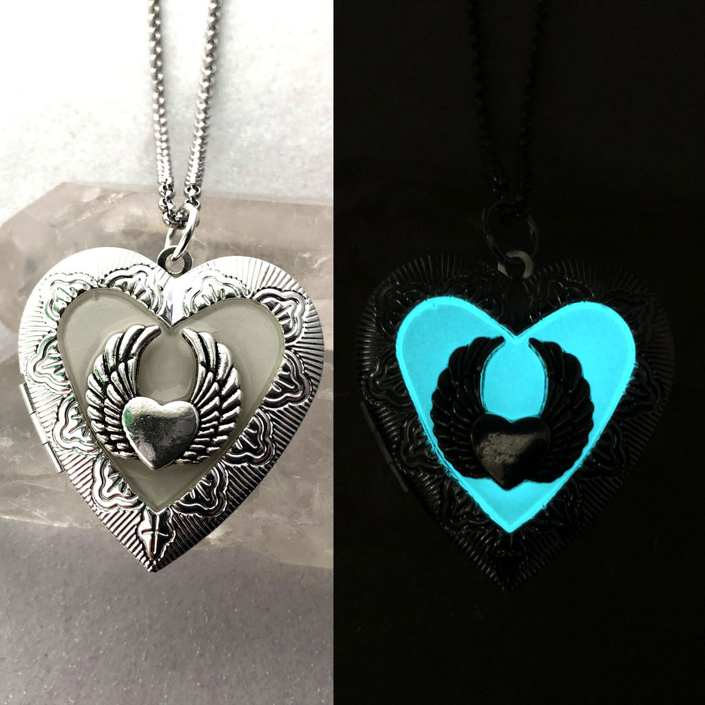 Flying Winged Heart Glow Locket For Pictures