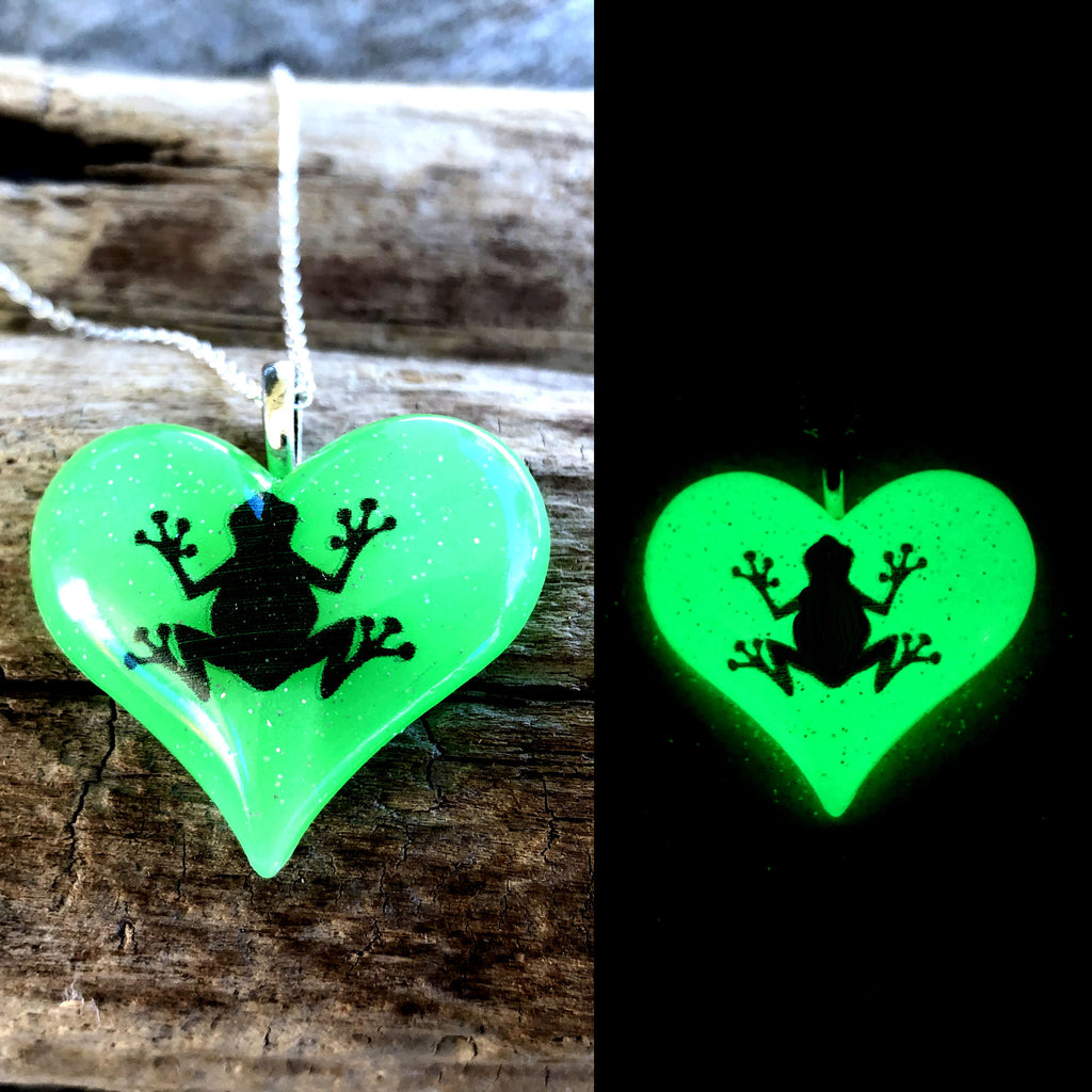 Frog glow in the dark Lula Heart Necklace