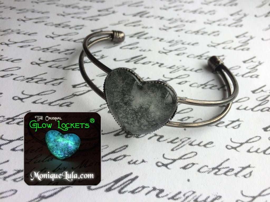 Heart of the Galaxy Outer Space Glow Bracelet
