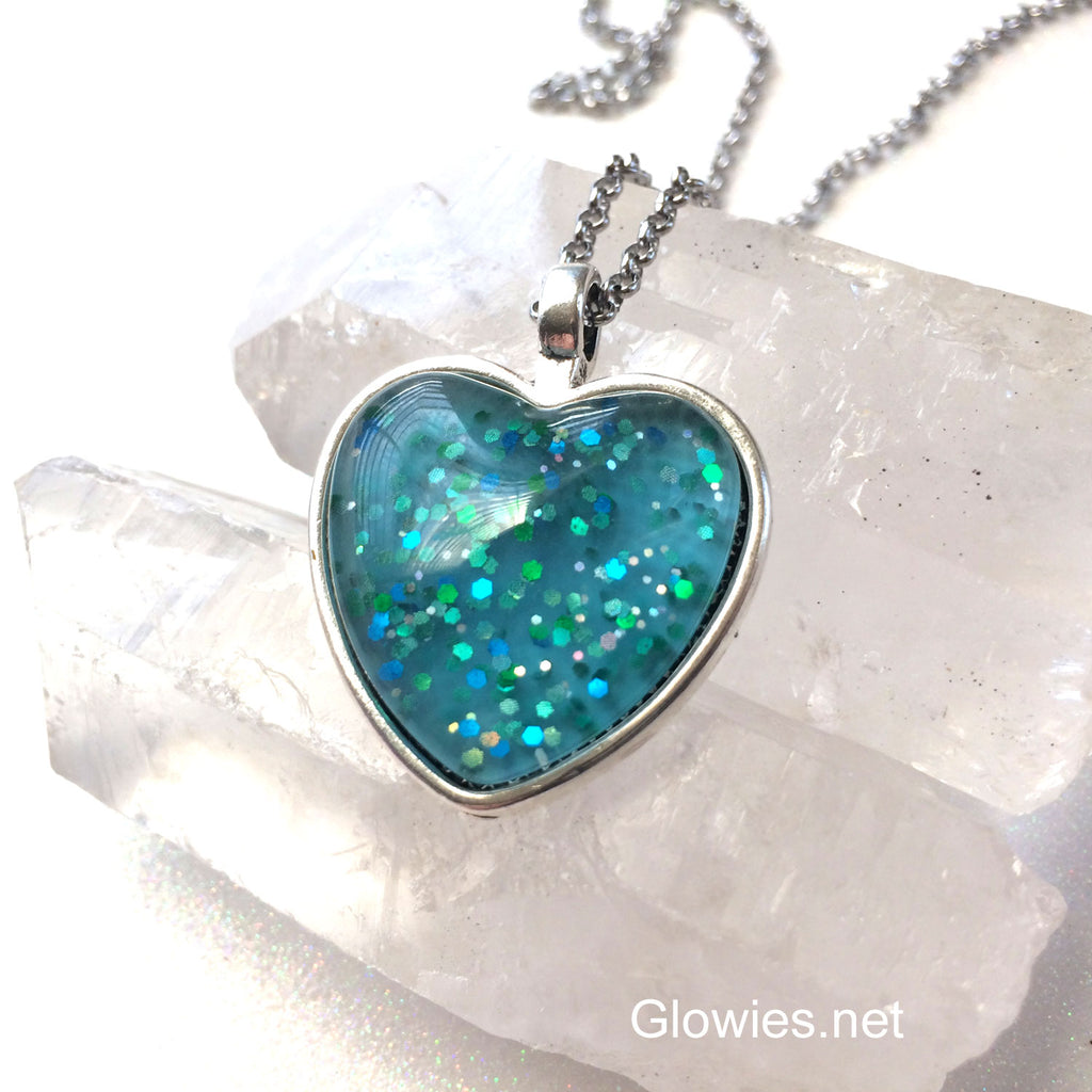 Heart of the Ocean Glow Glass Necklace