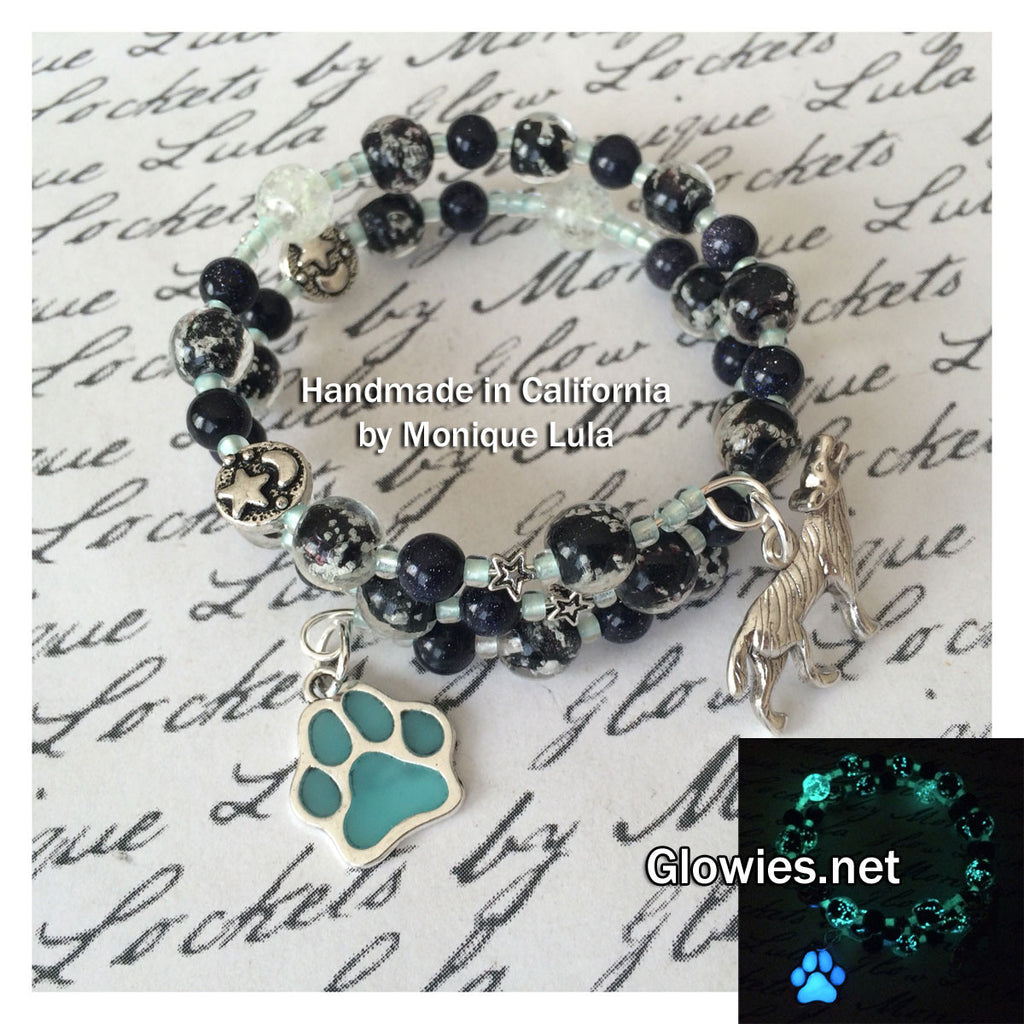 Howling Wolf Glowing Galaxy Beaded Bracelet with Paw Charm