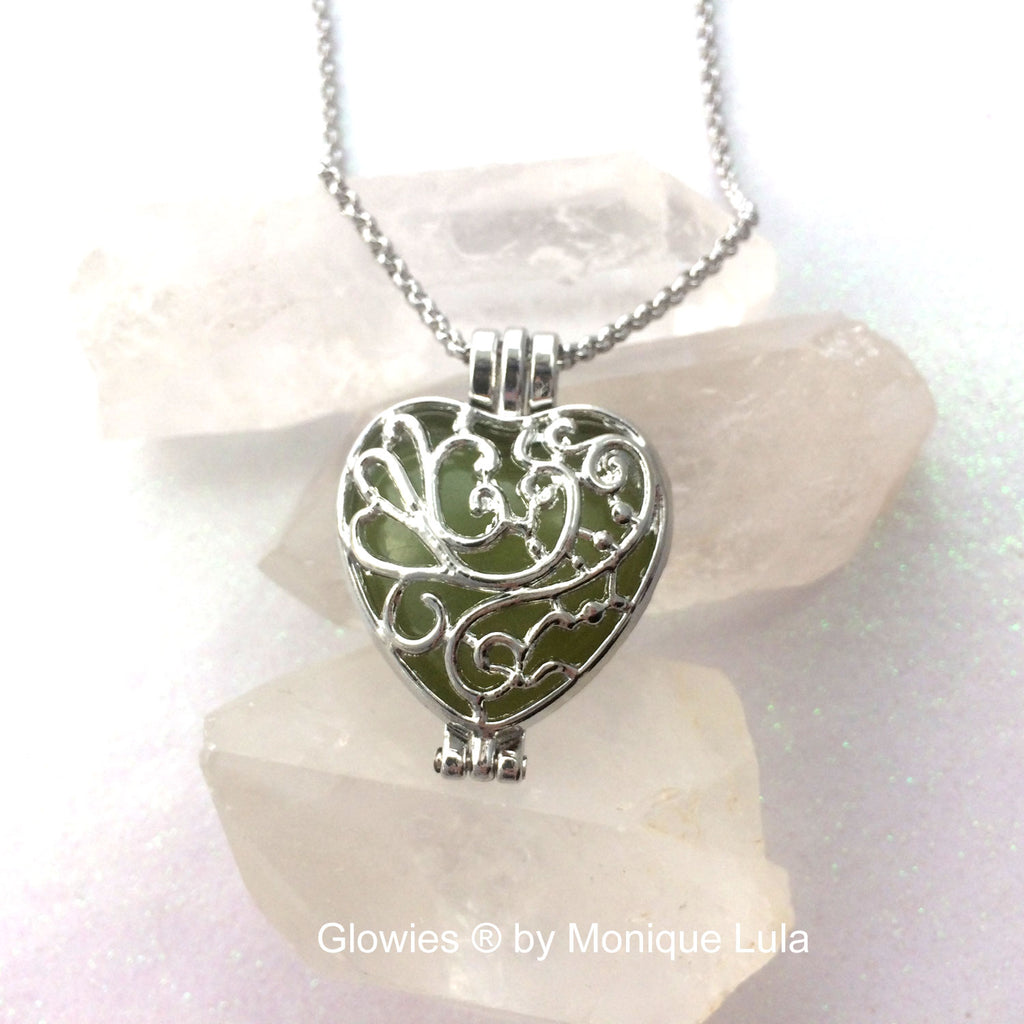 Love Garden Heart Glow Locket ®