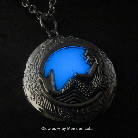 Mermaid At Bottom Of The Sea Glow Locket ®