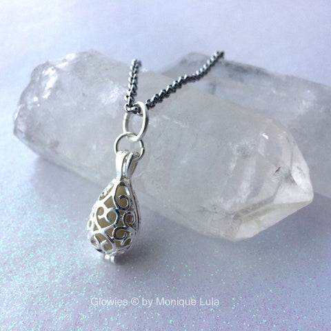 Mermaid Tear Teardrop Glow Locket™