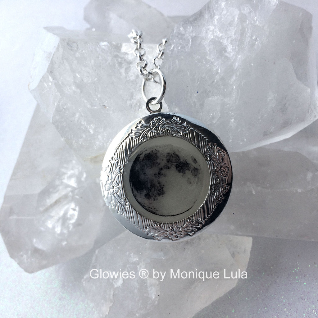 Full Moon Glow Locket ® for Pictures