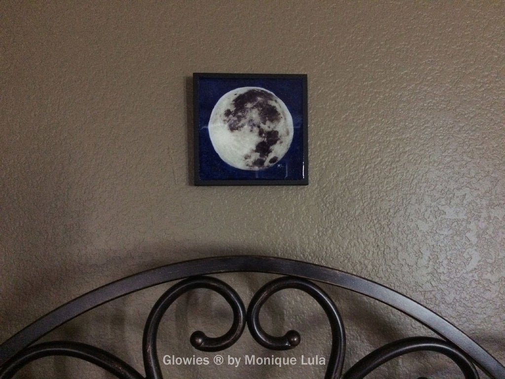 Full Moon Painting Glows in the dark