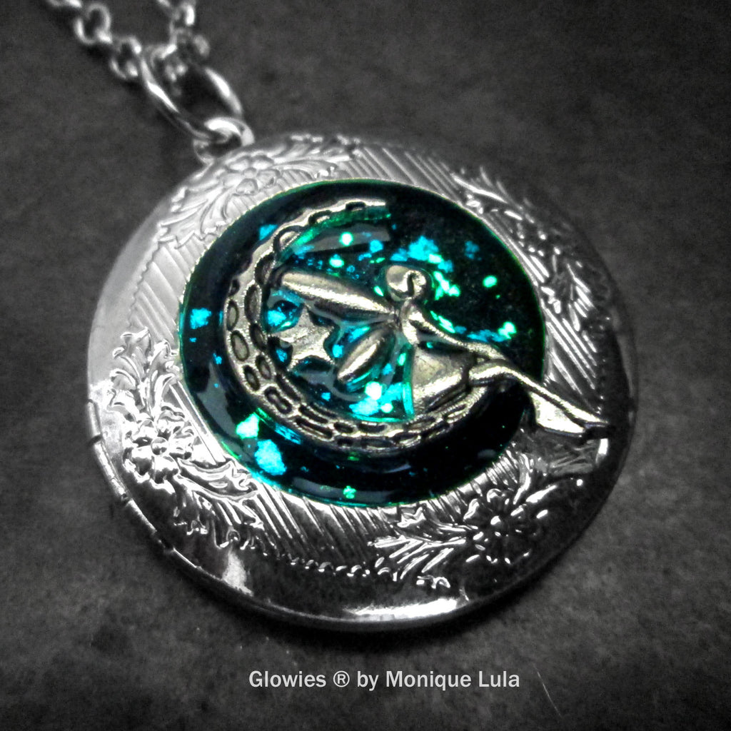 Galaxy Moon Fairy Glow Locket ®