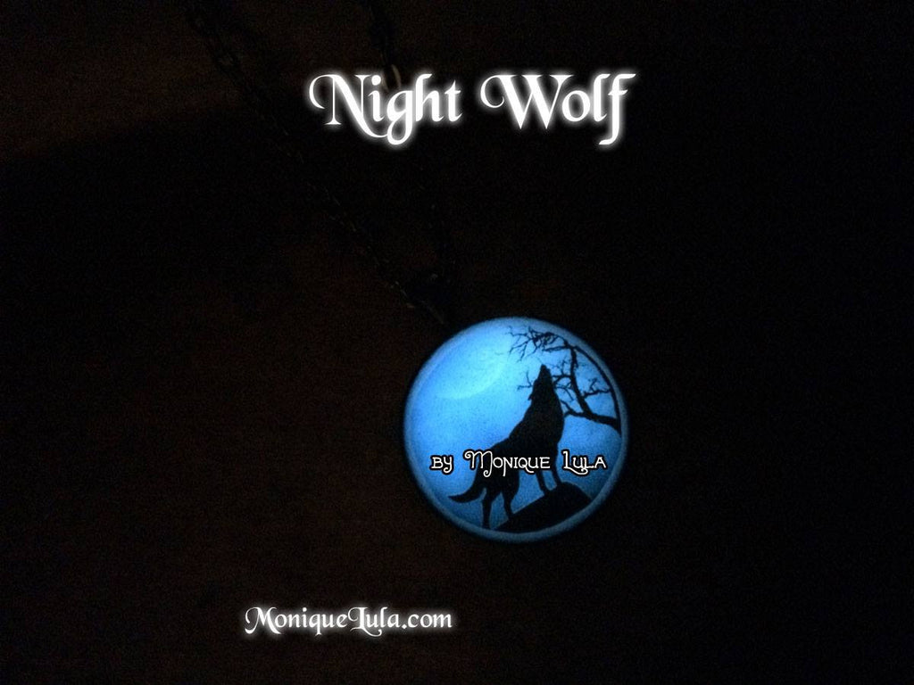 Night Wolf Glow in the dark Darklings Pendant