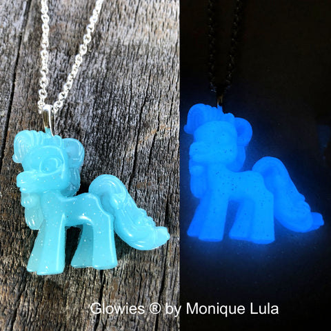 Pony Glow in the dark necklace