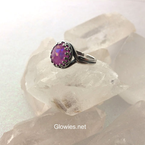 Droplet Glow Stone Victorian Ring