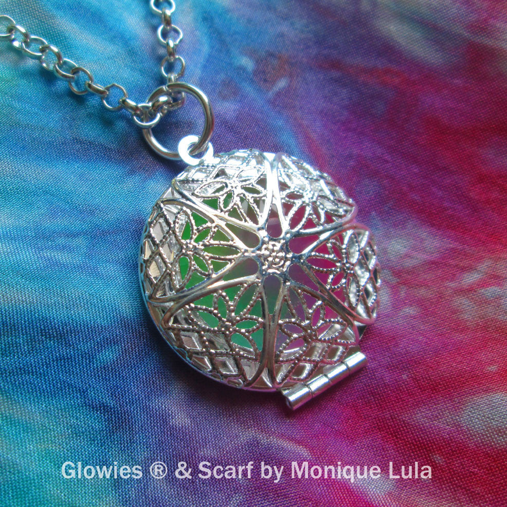 Rainbow Mystic Glow Locket ™