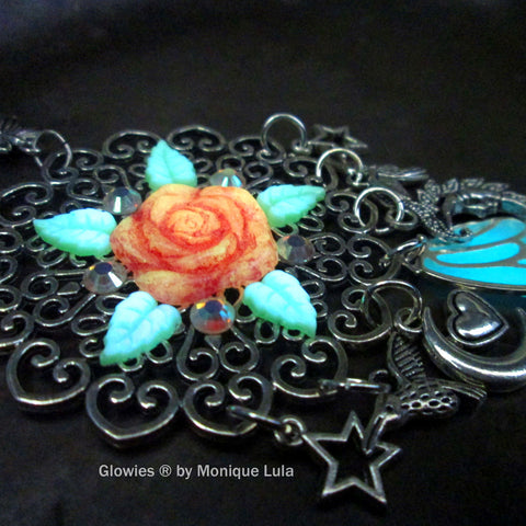 Rose Goddess Glowing Necklace & Earrings Set