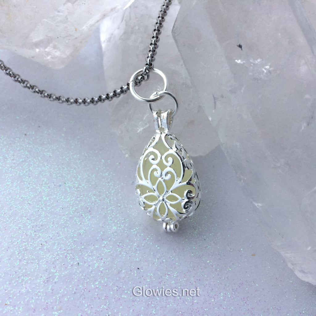 Secret Garden Glow Locket® Pendant