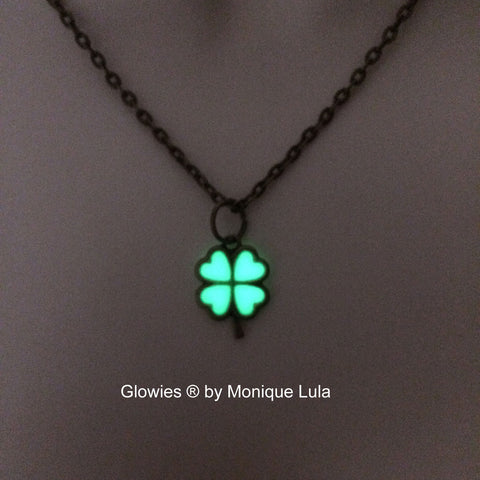 Glowing Clover Antiqued Lucky Shamrock Glow Necklace