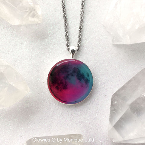Passion Full Moon Glowing Necklace