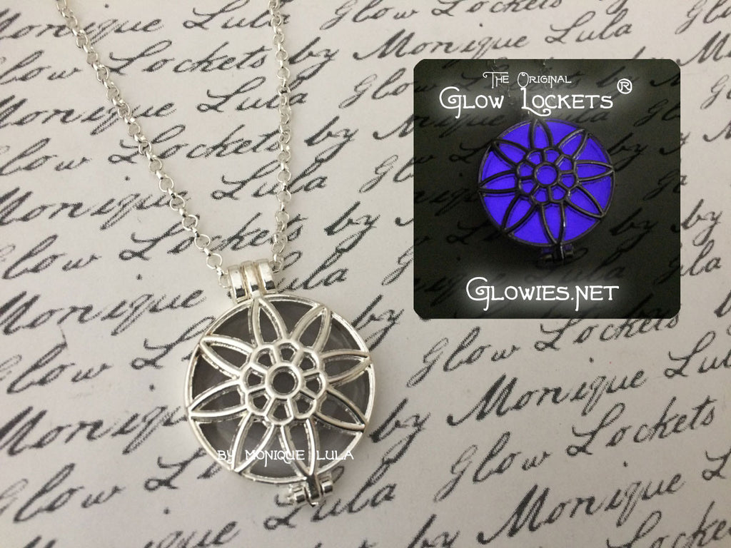 Flash Sale Silver Stargazer Glow Locket ®