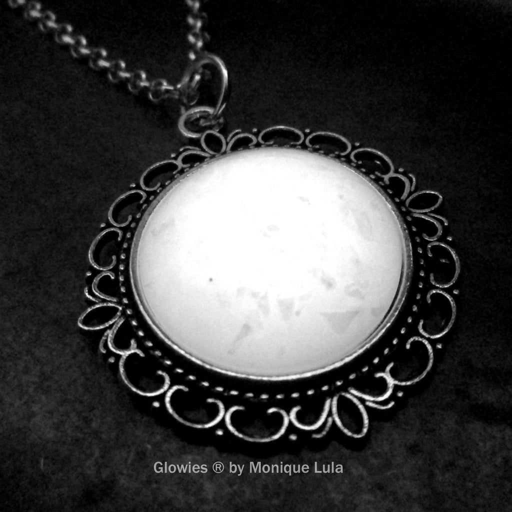 Glowing Opal Victorian Round Necklace