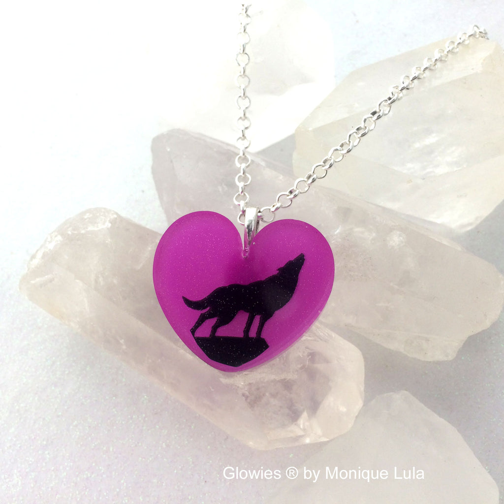 Howling Wolf Glow Heart Necklace