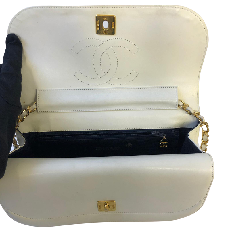Chanel Chanel Shoulder Bag white Lambskin Leather - Shoulder bags - Etoile Luxury Vintage