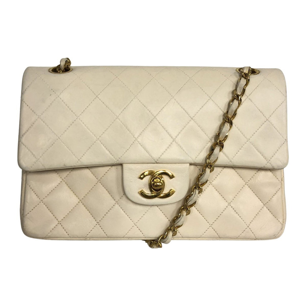 Chanel Chanel Classic Flap Bag Medium white Lambskin Leather - Shoulder bags - Etoile Luxury Vintage