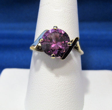 10KT VINTAGE BEAUTIFUL COLOR SYNTHETIC ALEXANDRITE RING...1950'S