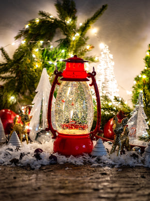 Retro Red Holiday Lantern Weston Table