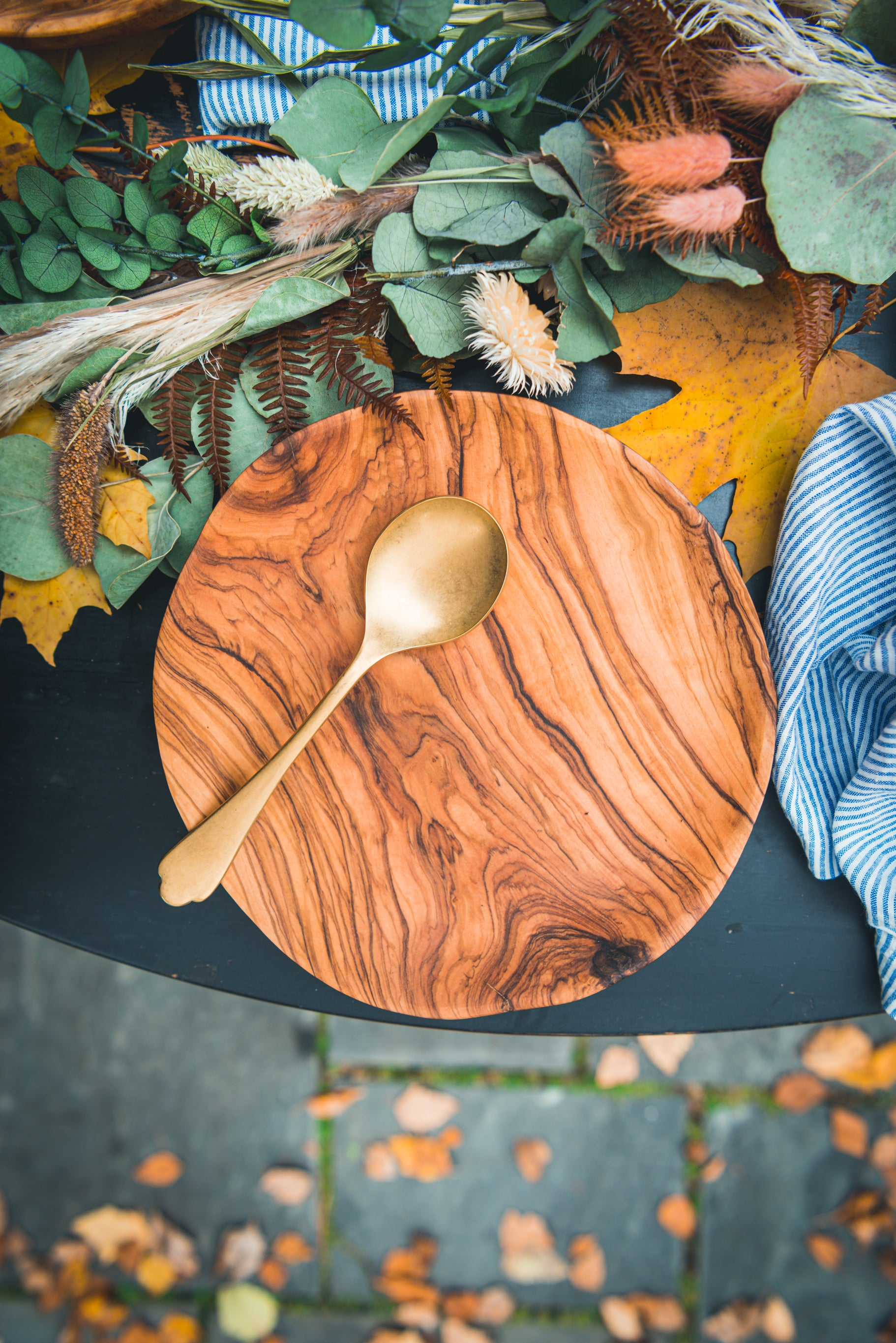Shop Wt Olive Wood Plates Trays At Weston Table