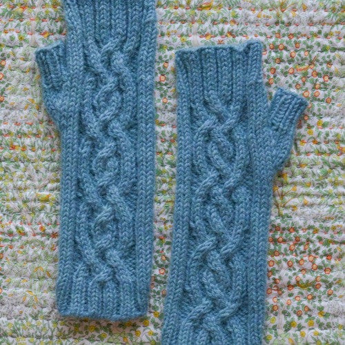 Travelling Cable Fingerless Gloves