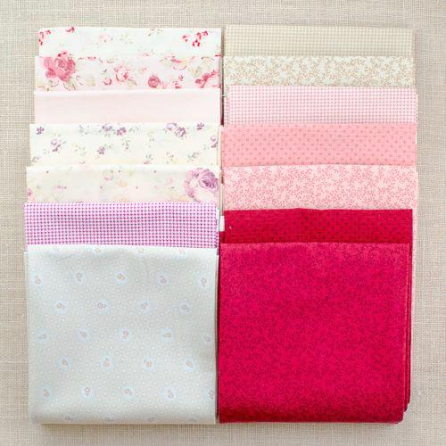 Petit Fleur Basics Fat Quarter Bundle/ 14 pcs