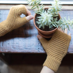 Garter Twist Mitts by Robbie Laughlin