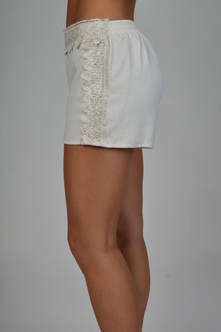 Natural Lace Detail Elastic Waist Shorts