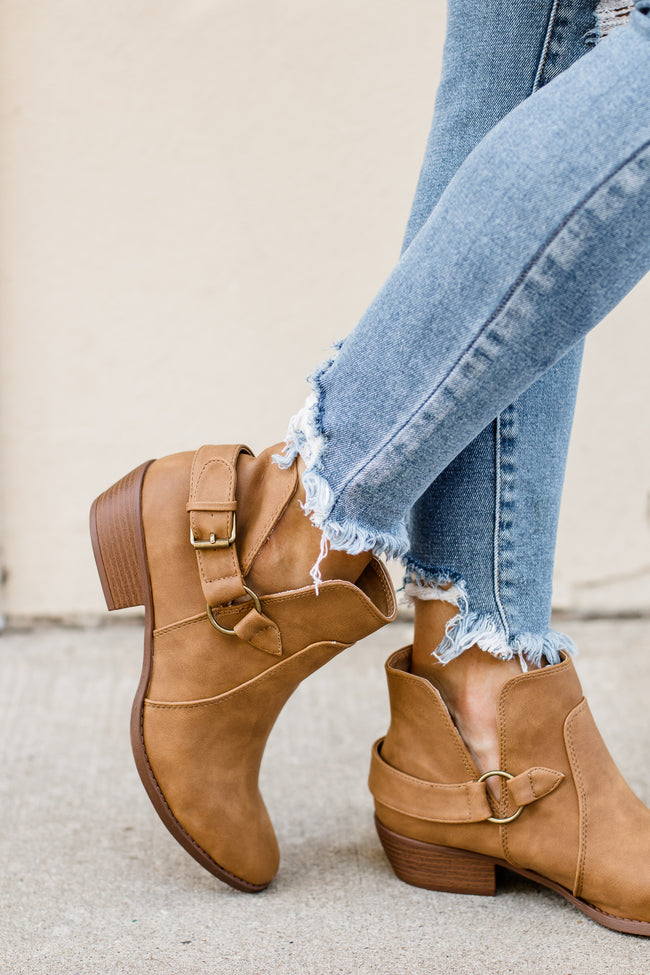 Sochi Camel Harness On V-Cut Bootie