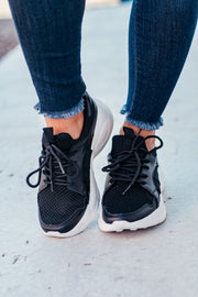 Piers Black Flyknit Sneakers