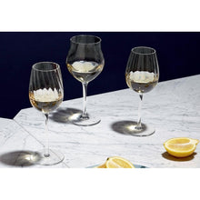 Load image into Gallery viewer, Set of 3 Glasses: Mature Wine, Young Wine and Champagne