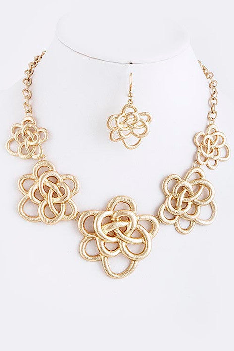 Knotted Flower Necklace - My Jewel Candy
