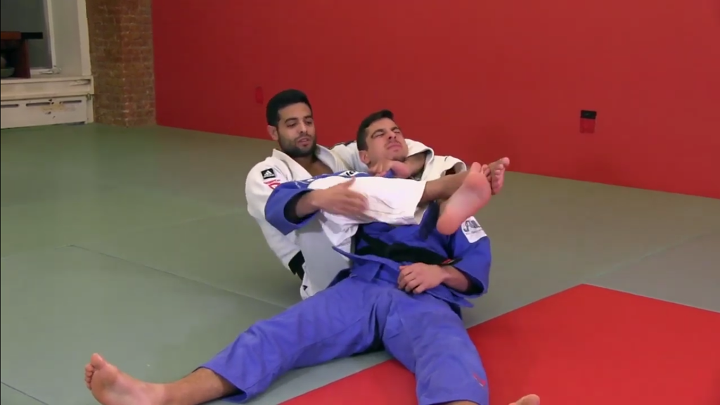 Learn This Powerful Choke with Sagi Muki
