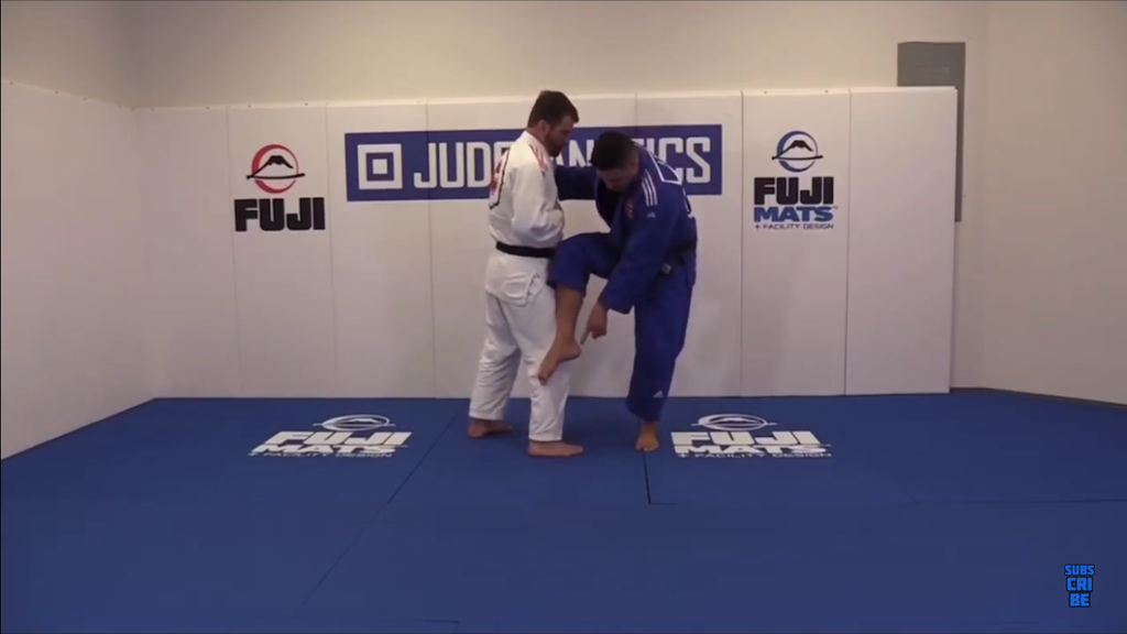 Catch Your Opponent Off-Guard With This Variation Of Osoto Gari