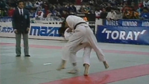 Koga's famous ippon-seoi-nage in full display at the World Junior Championships