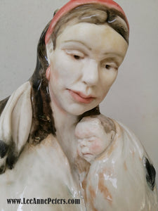 Sculpture - Native lady holding baby