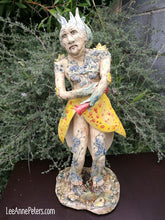 Load image into Gallery viewer, Sculpture - Old Lady of the Mountain
