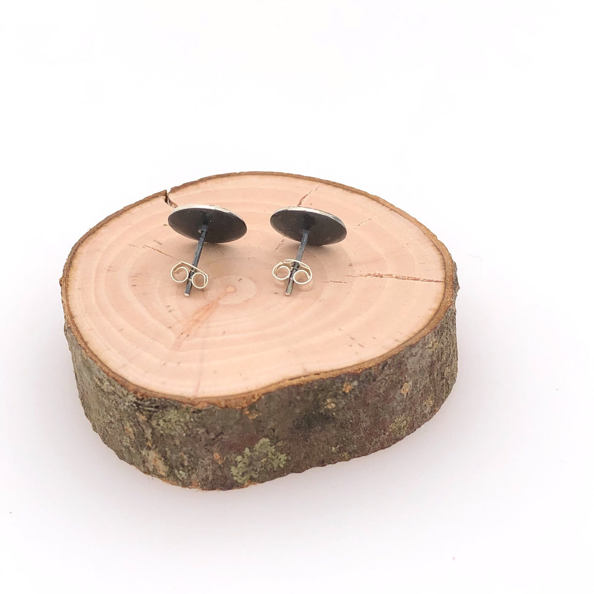 Contrasting Florals Black Round Stud Earrings