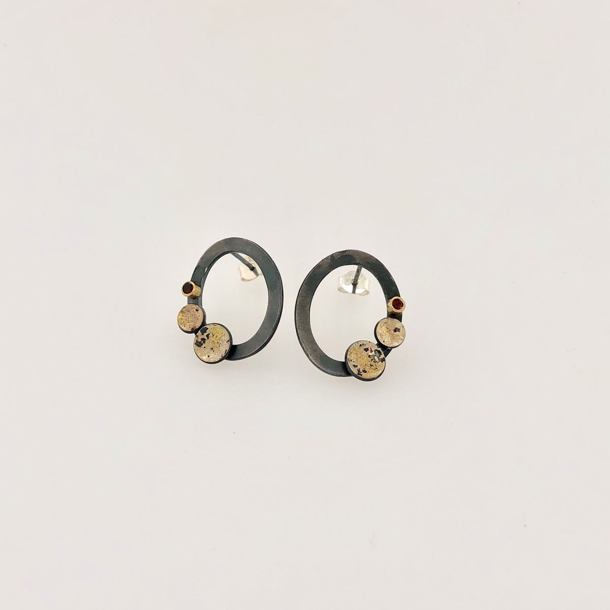 Black, Gold and Garnet Oval Stud Earrings