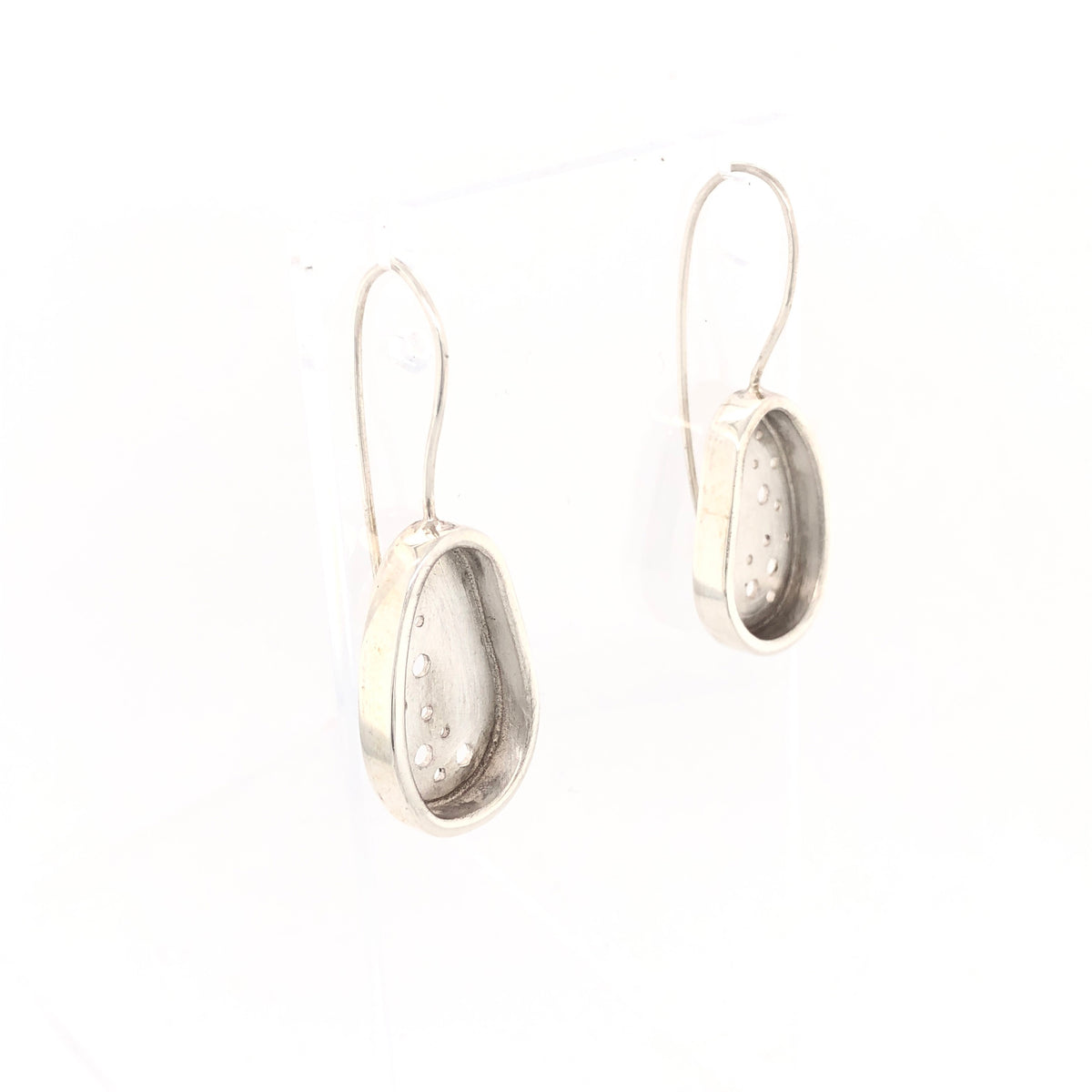 Bright pebble earrings