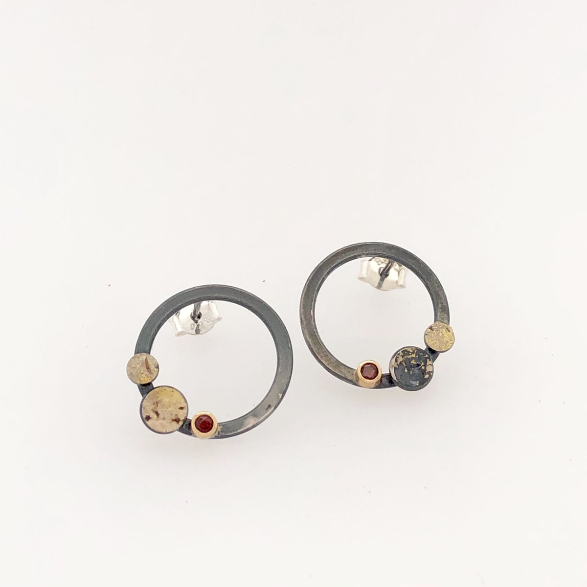 Black, Gold and Garnet Round Stud Earrings