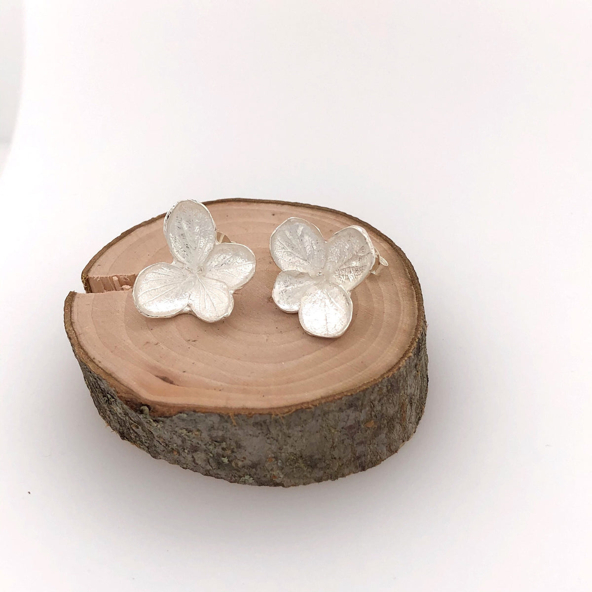 Hydrangea Small Stud Earrings