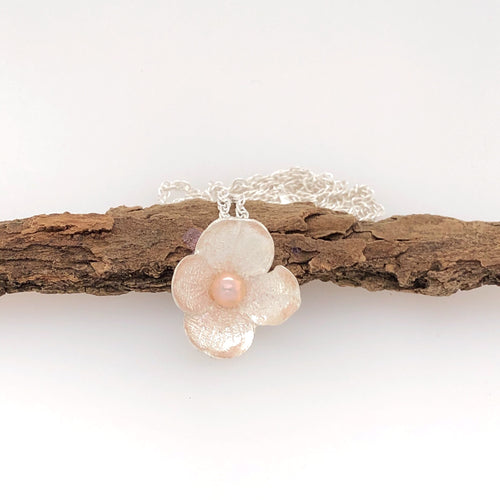 Hydrangea Pendant with Pink Pearl