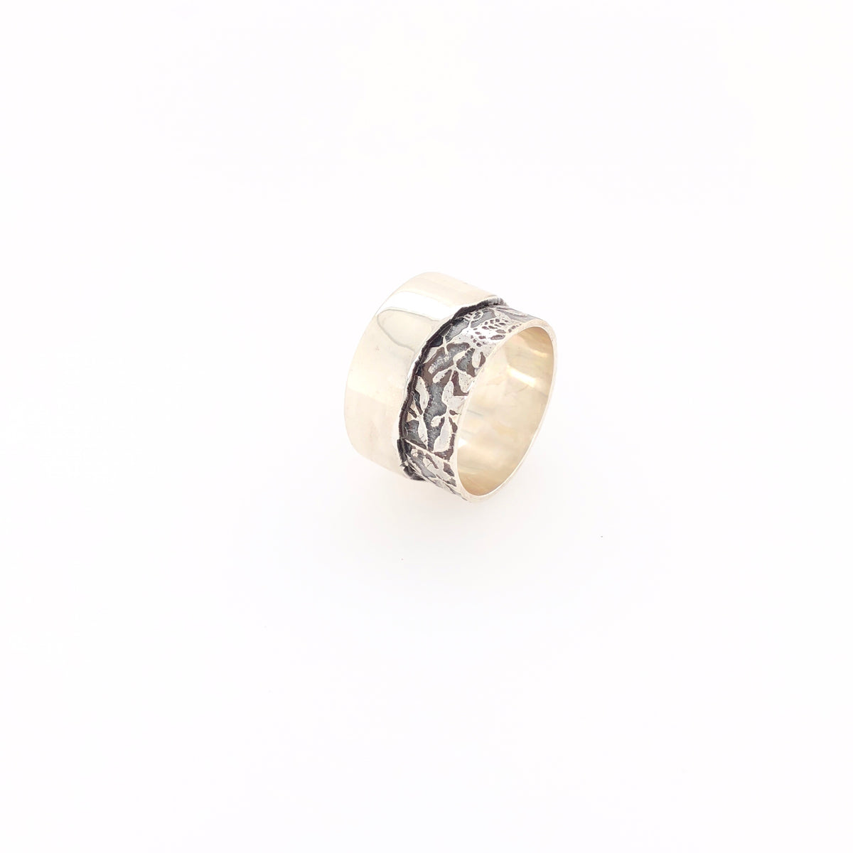 Contrasting Florals Band Ring