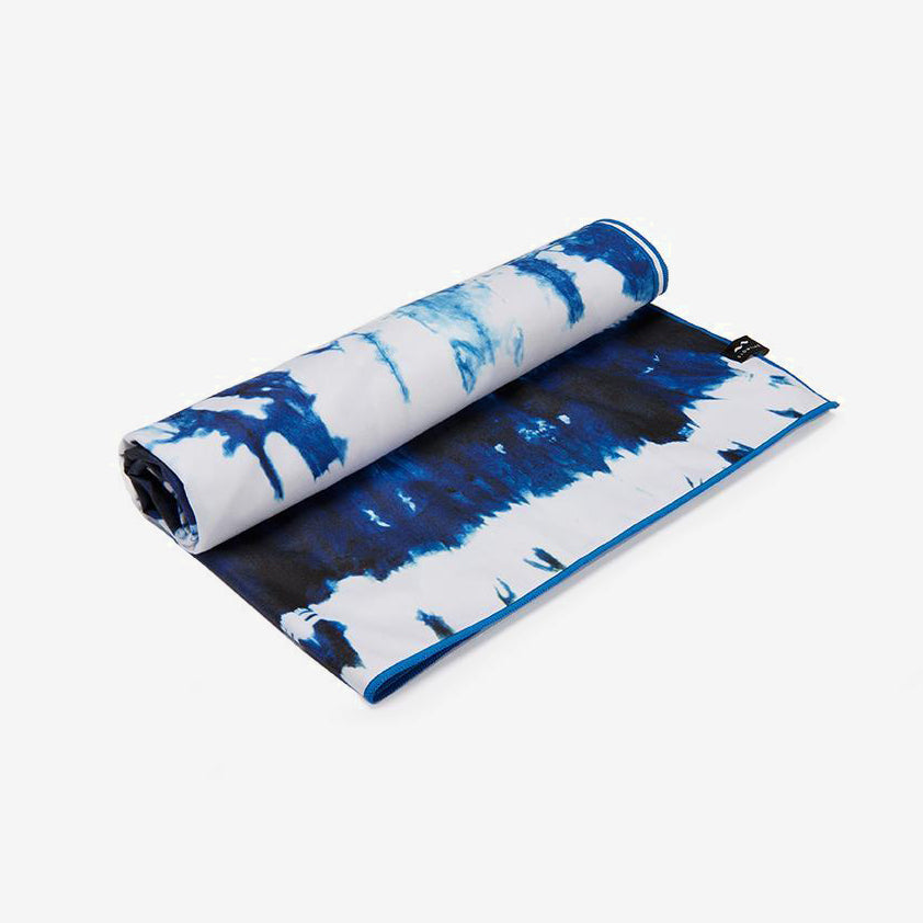 Slowtide 'Cassidy' Microfibre Travel Towel